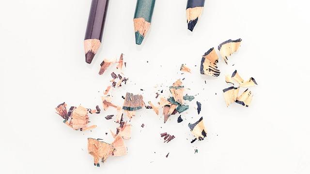 kajalové tužky.jpg