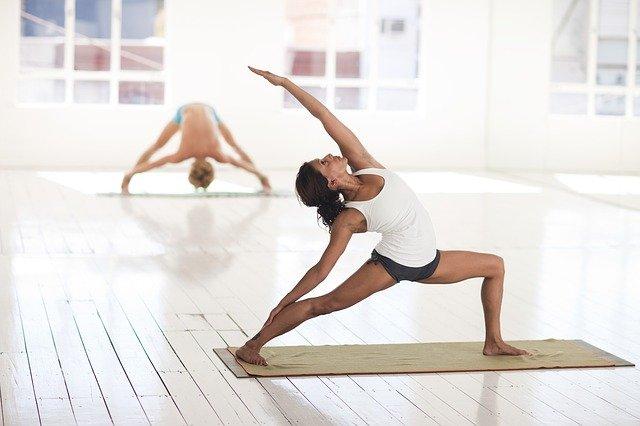 cvičení v místnosti