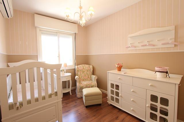 světlý pokoj pro miminko.jpg