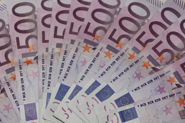 vějíř eurobankovek
