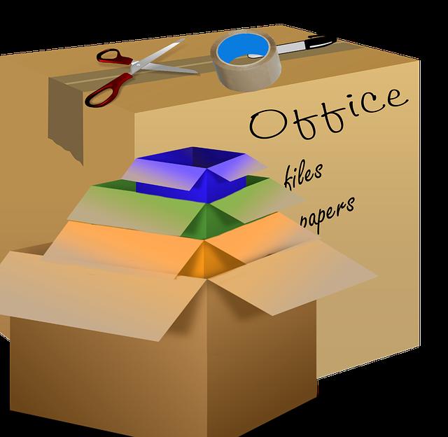 Prostorné kartónové krabice