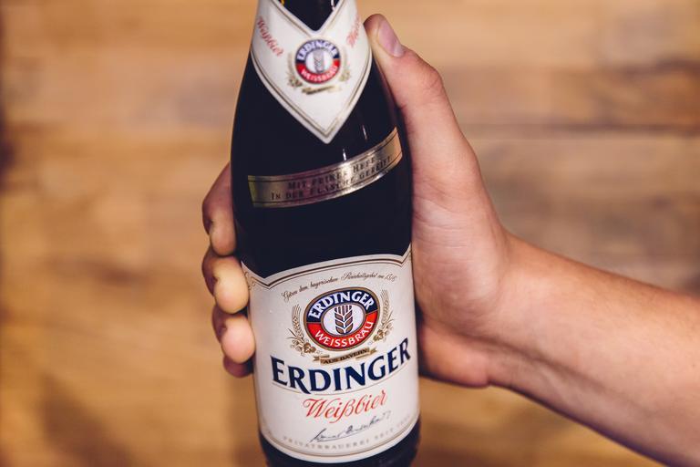 pivo v ruce